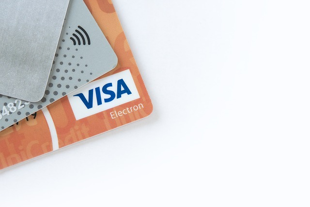 electronic-payments-2570939_640